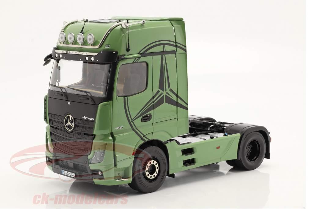 Mercedes-Benz Actros Gigaspace 4x2 SZM verde oliva 1:18 NZG