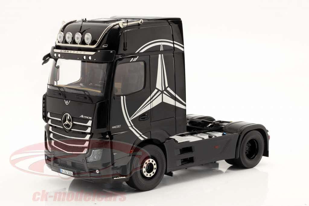 Mercedes-Benz Actros Gigaspace 4x2 SZM schwarz mit Mercedes Design 1:18 NZG