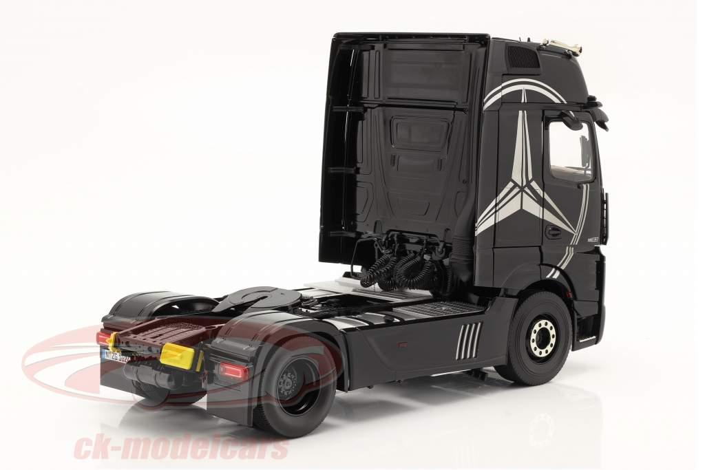 Mercedes-Benz Actros Gigaspace 4x2 SZM black with Mercedes design 1:18 NZG