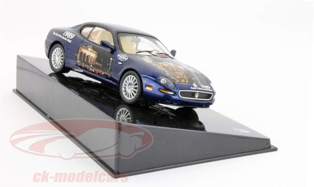 Maserati Coupe Cambiocorsa Der Fall der Berliner Mauer 1989 blau 1:43 Ixo
