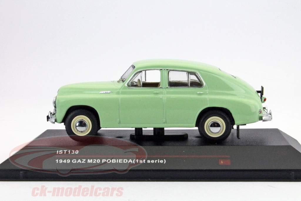 GAZ M20 Pobieda bygget i 1949 lysegrøn 1:43 Ixo IST