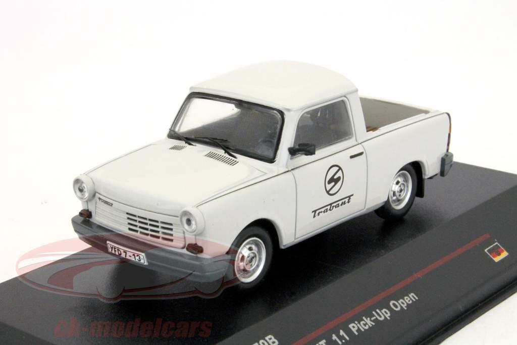 Trabant 1.1 Kies omhoog jaar 1990 licht grijs 1:43 IST-Models