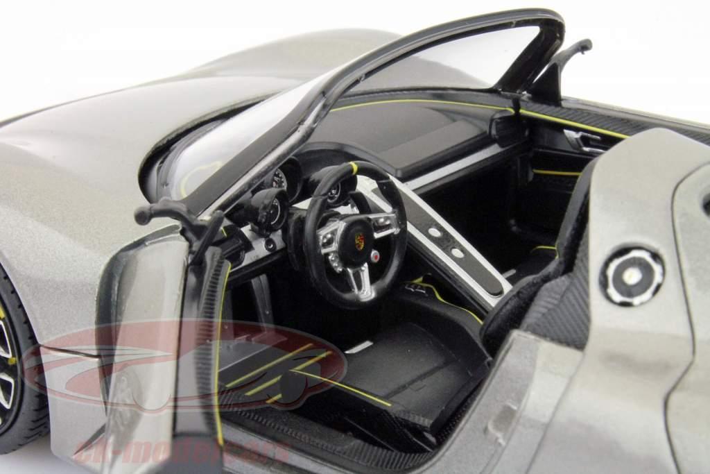 Porsche 918 Spyder Jaar 2013 grijs 1:24 Welly