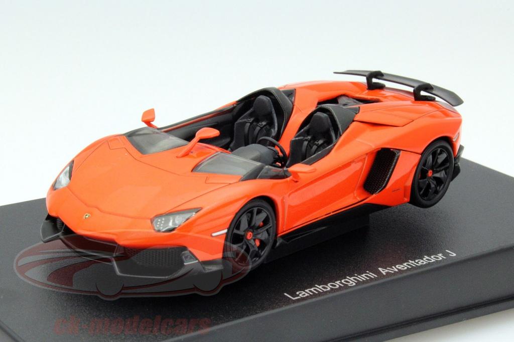 autoart-1-43-lamborghini-aventador-j-roadster-r-2012-appelsin-sort-54652/