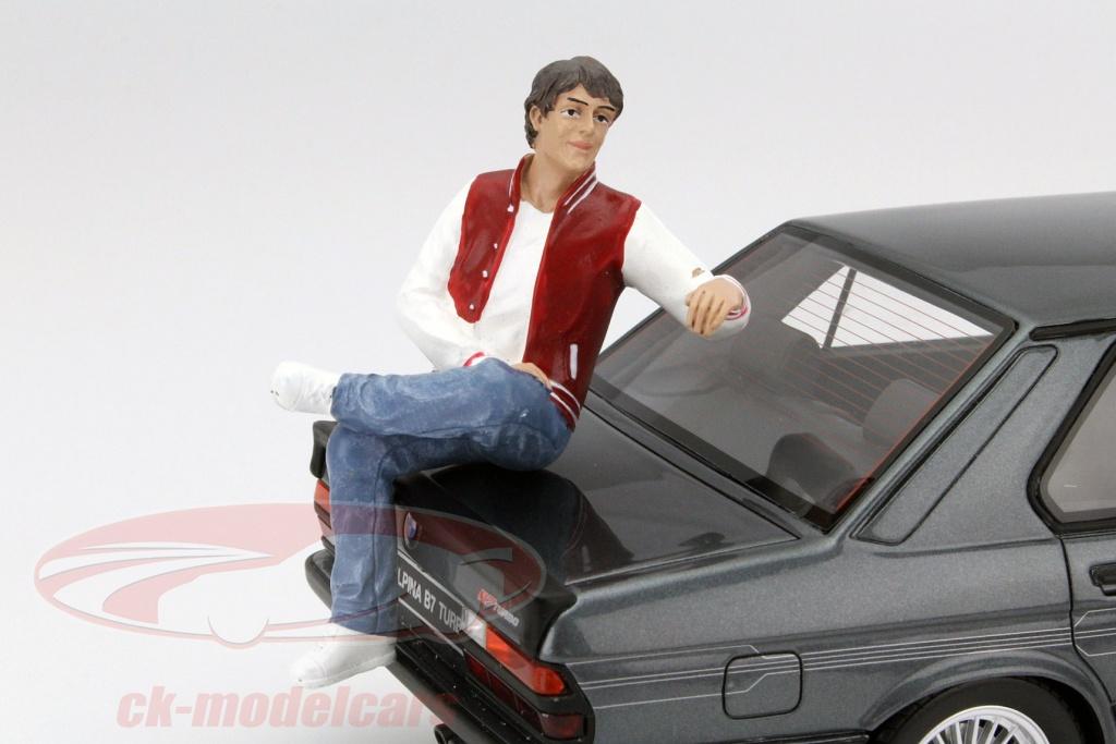 american-diorama-1-18-siddende-figur-adam-ad-23887/