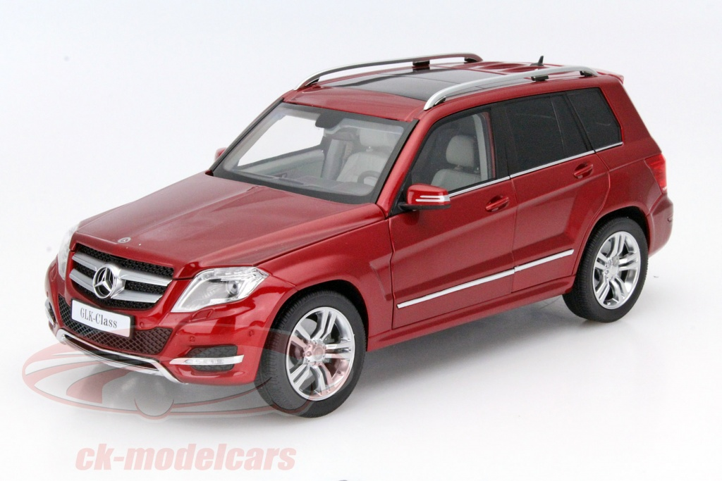 welly-1-18-mercedes-benz-glk-anno-2013-rosso-gta-11008r/