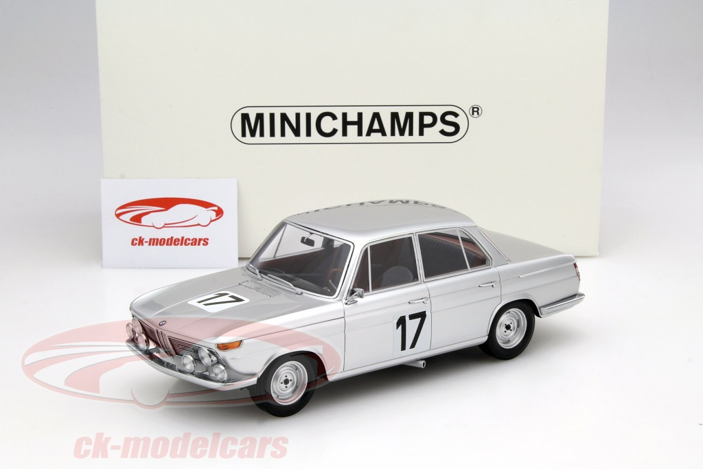 minichamps_1_18_bmw_2000_ti_no17_winner_