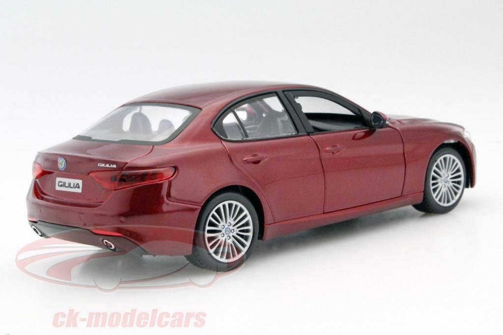 Bburago 1 24 Alfa Romeo Giulia Red 18 21080 15621080r Model Car