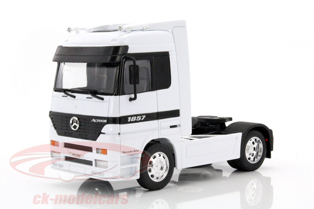 welly-1-32-mercedes-benz-actros-4x2-white-32280sw/