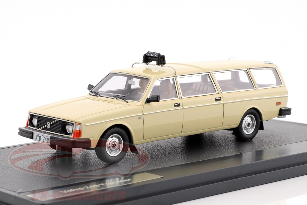 matrix-1-43-volvo-245-transfer-taxi-annee-de-construction-1978-creme-blanc-mx12106-052/