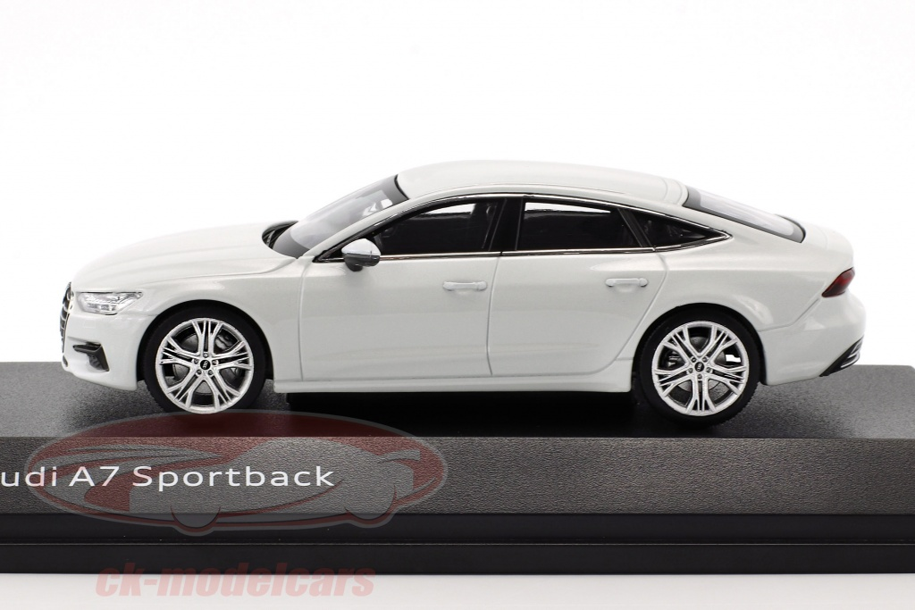 Audi A7 Sportback Mythos Black 1//43 iScale Dealer Pack Voiture Model Car 7032