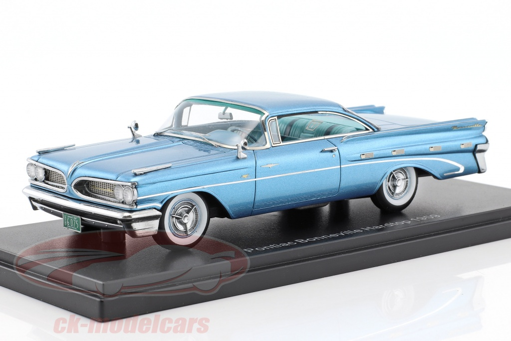 neo-1-43-pontiac-bonneville-hardtop-year-1959-light-blue-metallic-neo46076/