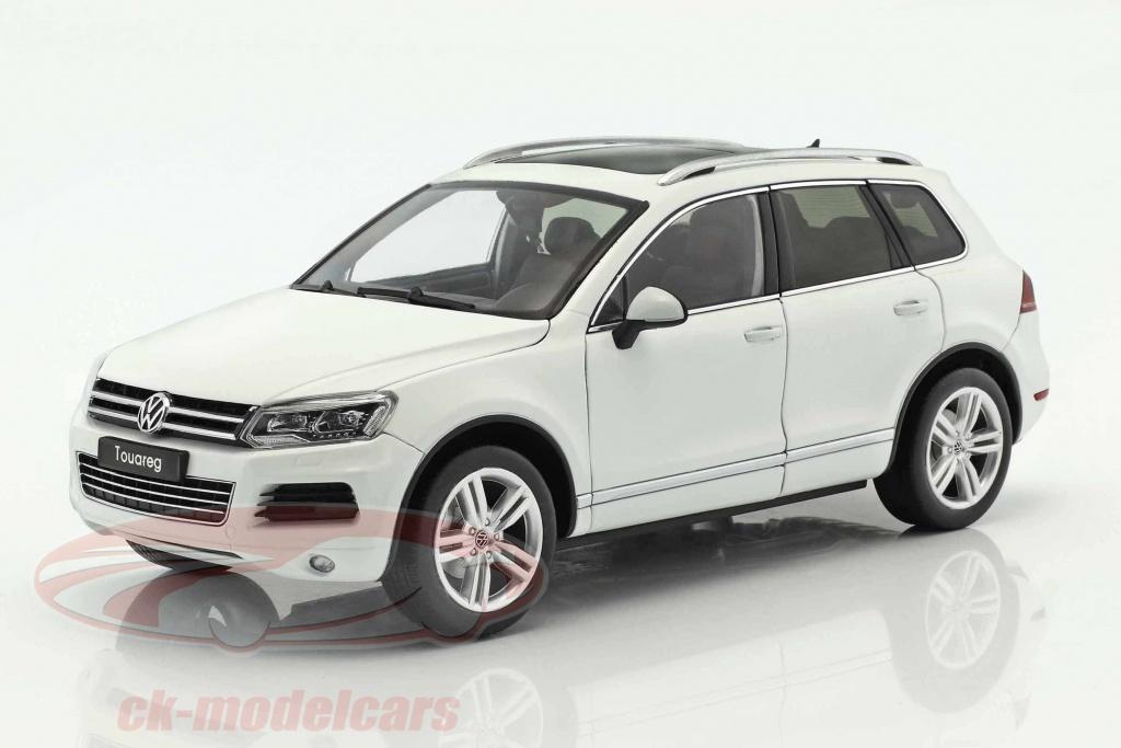 welly-1-18-volkswagen-vw-touareg-year-2012-white-gta-11005w/
