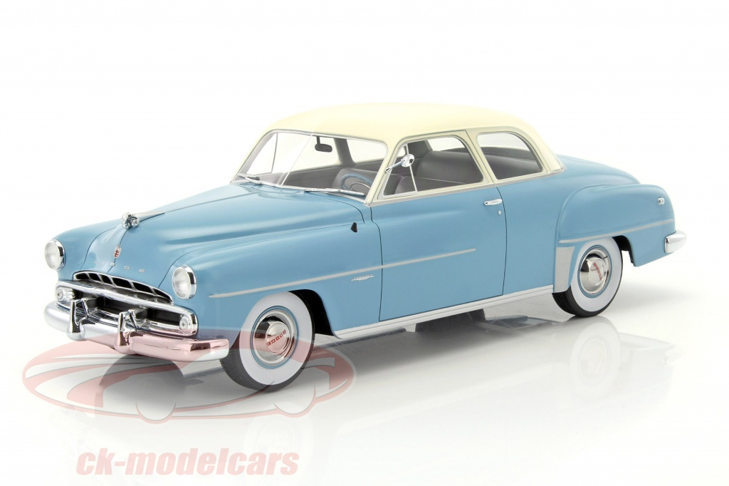 bos-models-1-18-dodge-coronet-club-coupe-bouwjaar-1952-lichtblauw-wit-bos274/