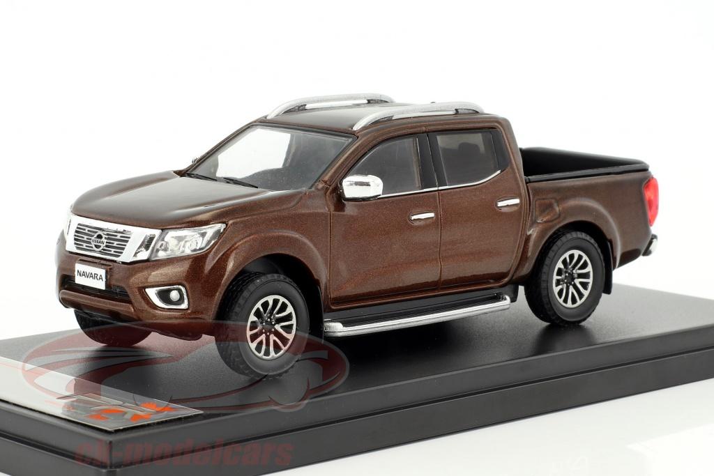 premium-x-1-43-nissan-navara-annee-de-construction-2017-brun-metallique-prd593/