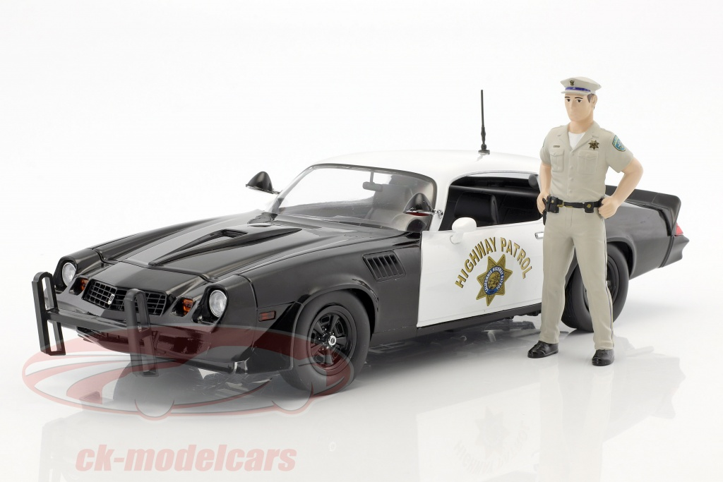 greenlight-1-18-chevrolet-camaro-z28-highway-patrol-year-1979-black-white-with-figure-police-officer-13506/