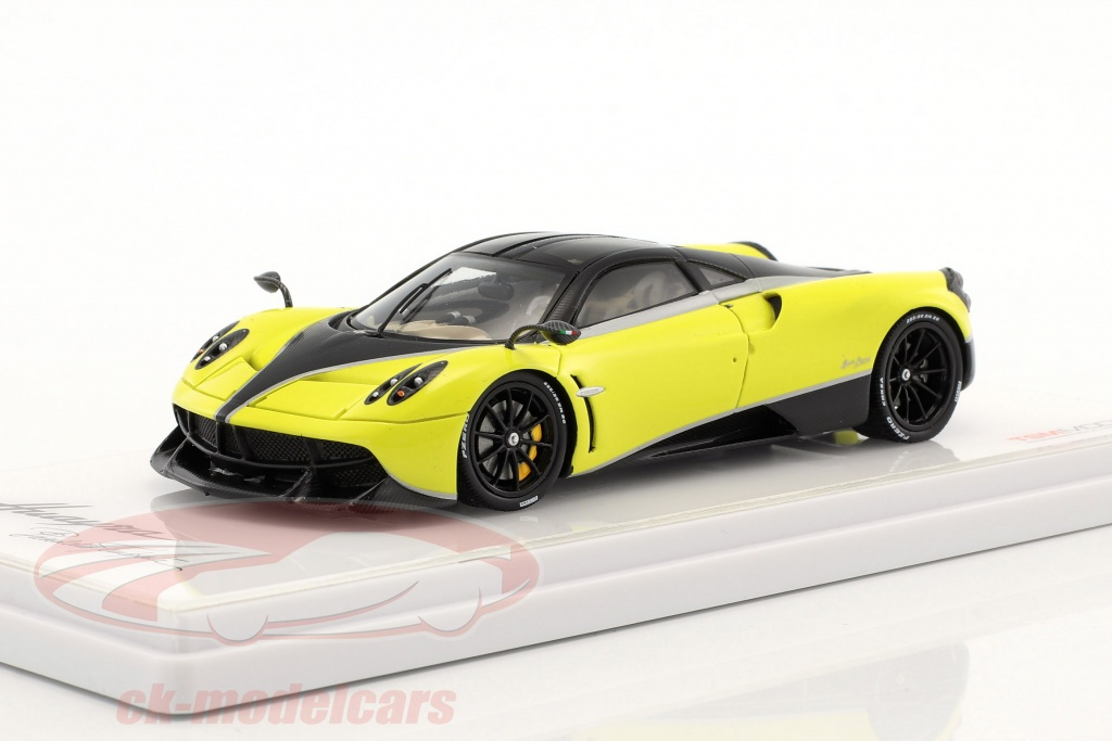 true-scale-1-43-pagani-huayra-pacchetto-tempesta-year-2016-yellow-tsm430184/
