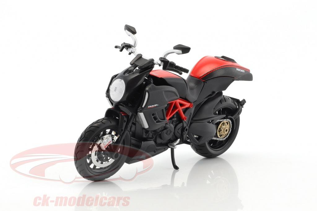 maisto-1-12-ducati-diavel-carbon-kit-year-2011-black-39196/