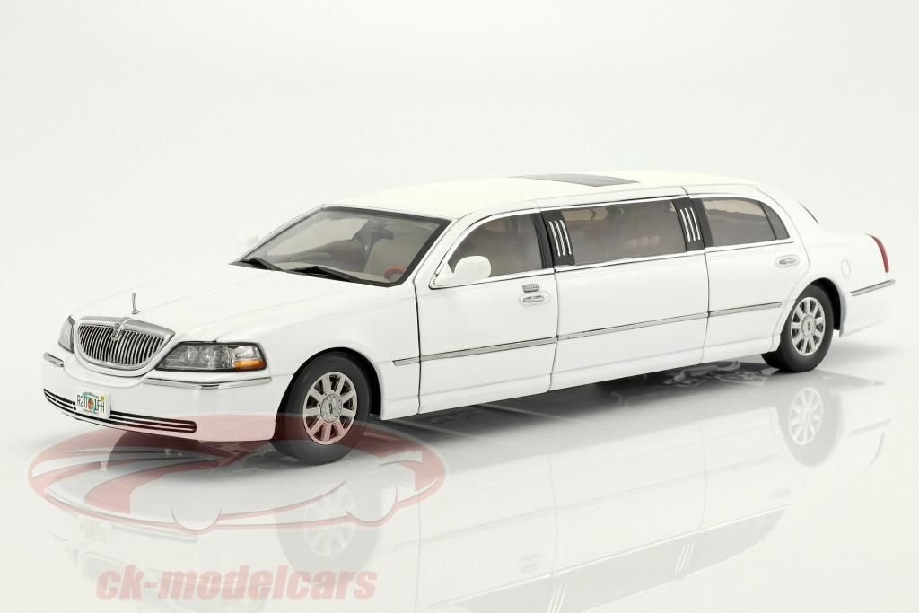 sun-star-models-1-18-lincoln-town-car-limousine-year-2003-white-4201/