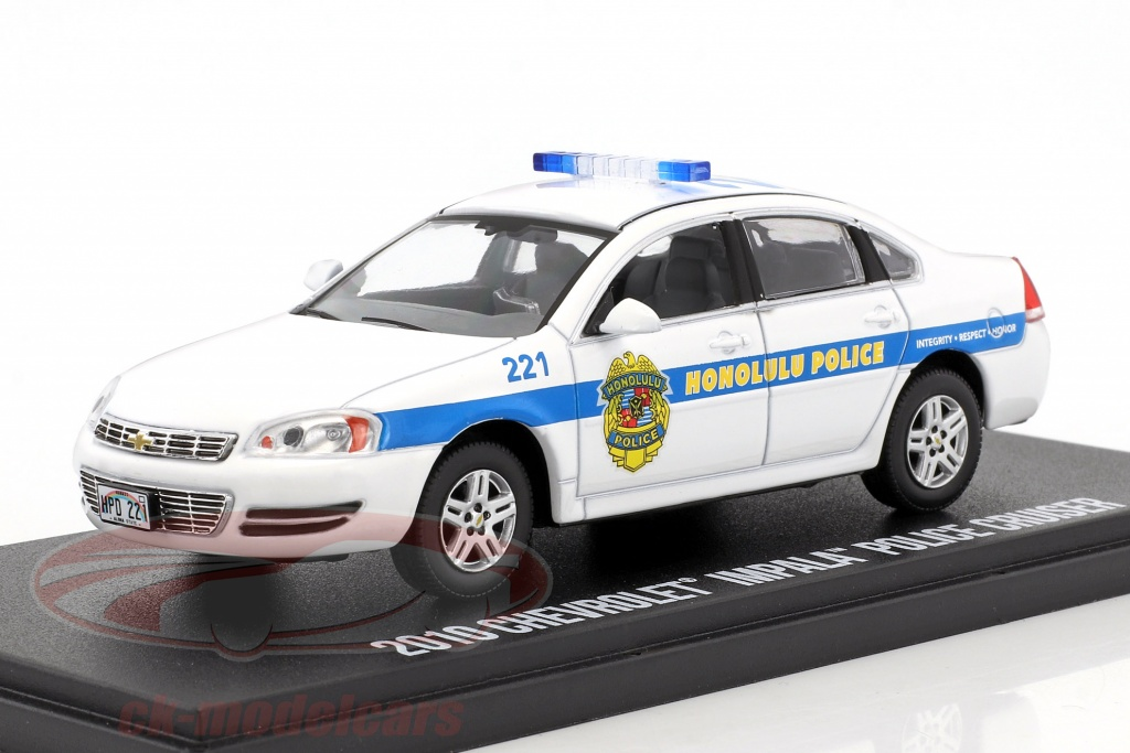 greenlight-1-43-chevrolet-impala-police-cruiser-nypd-2010-tv-serie-hawaii-five-o-weiss-blau-86518/