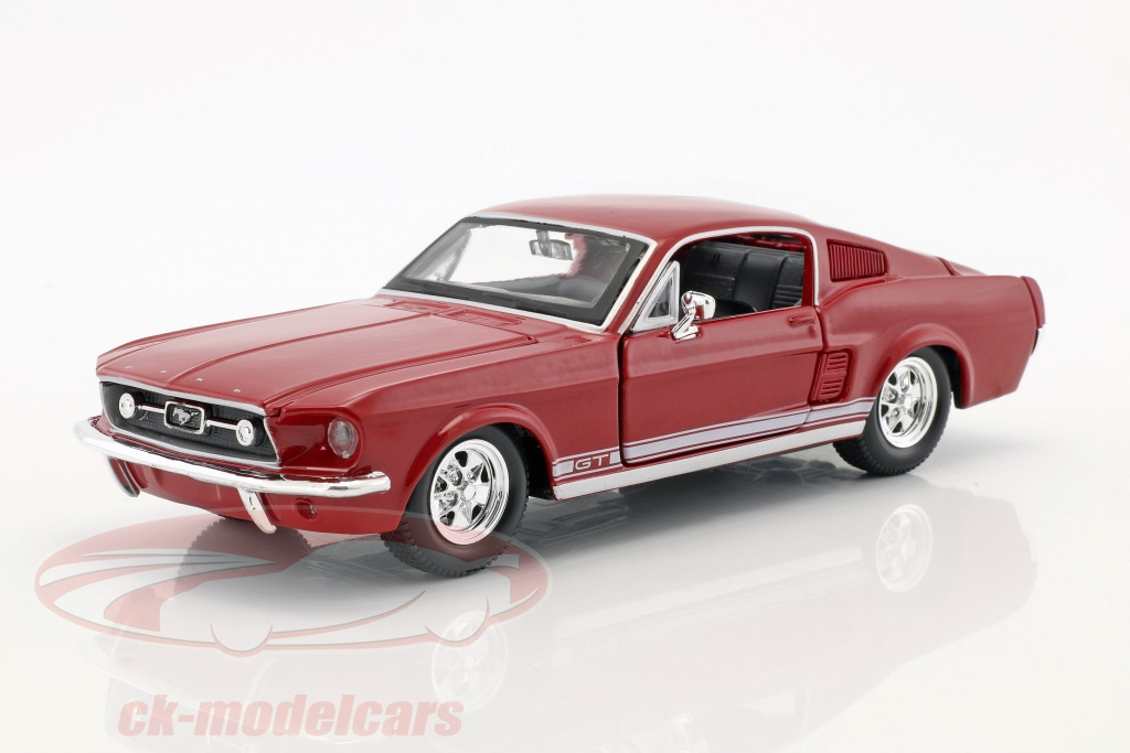 maisto-1-24-ford-mustang-gt-annee-de-construction-1967-rouge-31260/