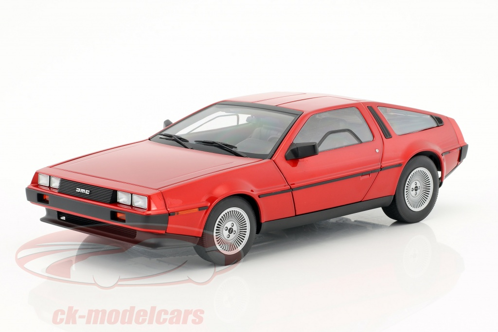 autoart-1-18-de-lorean-dmc-12-annee-de-construction-1981-rouge-metallique-79918/