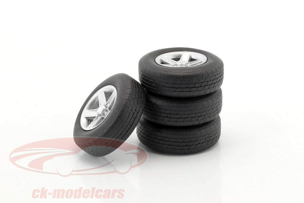 neo-1-18-set-ruote-tuning-cerchi-in-lega-4x-argento-neo18290/