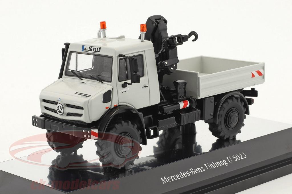 nzg-1-50-mercedes-benz-unimog-u-5000-camion-plate-forme-avec-grue-gris-9113/