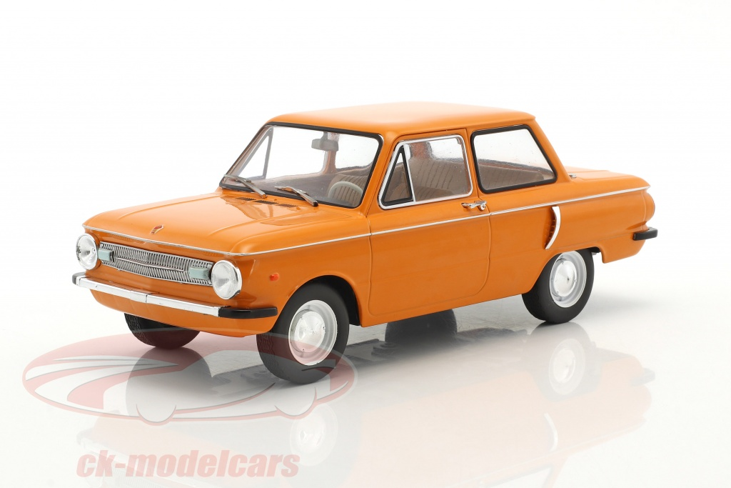 modelcar-group-1-18-saporoshez-sas-966-annee-de-construction-1966-orange-mcg18103/