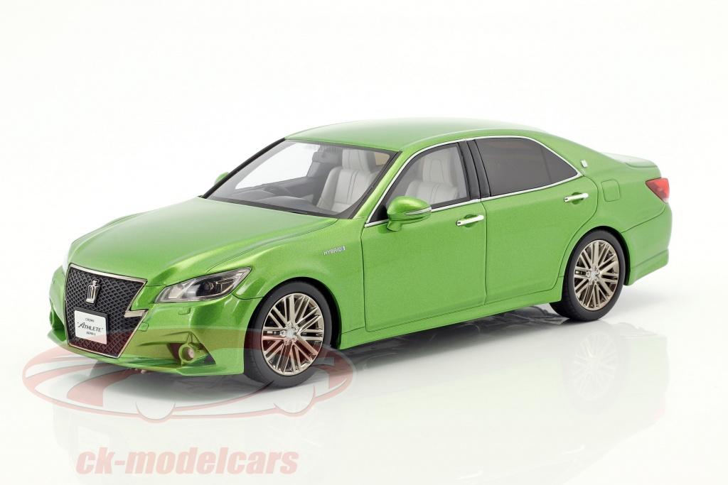 kyosho-1-18-toyota-crown-hybrid-athlete-s-vert-metallique-ksr18001gr/