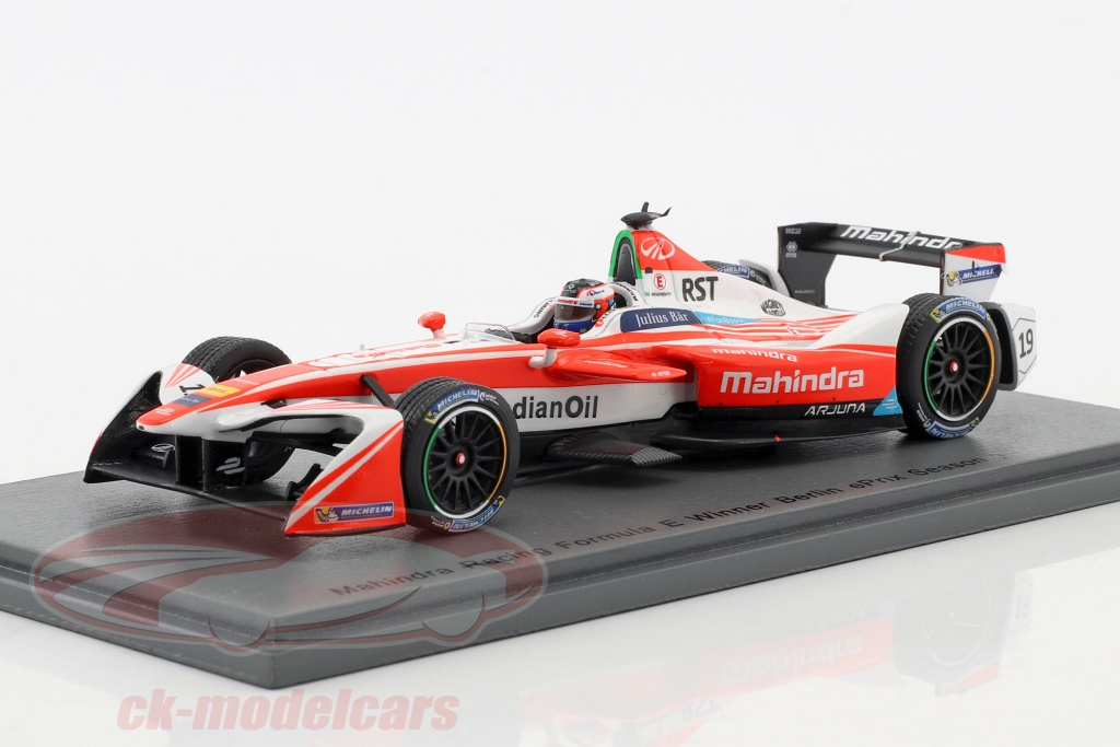 spark-1-43-felix-rosenqvist-no19-vincitore-berlin-eprix-season-3-formula-e-2016-17-s5903/