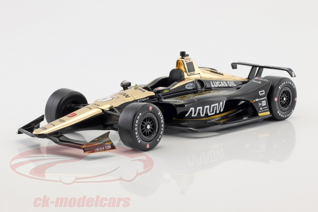 greenlight-1-18-james-hinchcliffe-honda-no5-indycar-series-2018-schmidt-peterson-motorsports-11029/