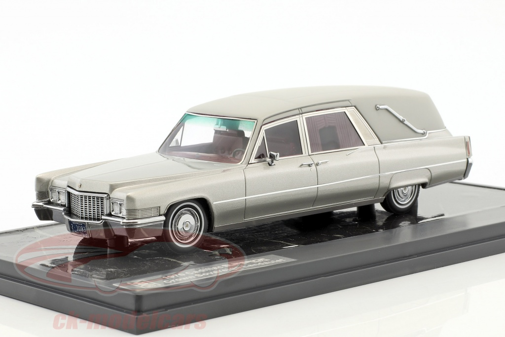 matrix-1-43-cadillac-superior-crown-sovereign-landaulet-funeral-car-year-1970-silver-metallic-mx20301-183/