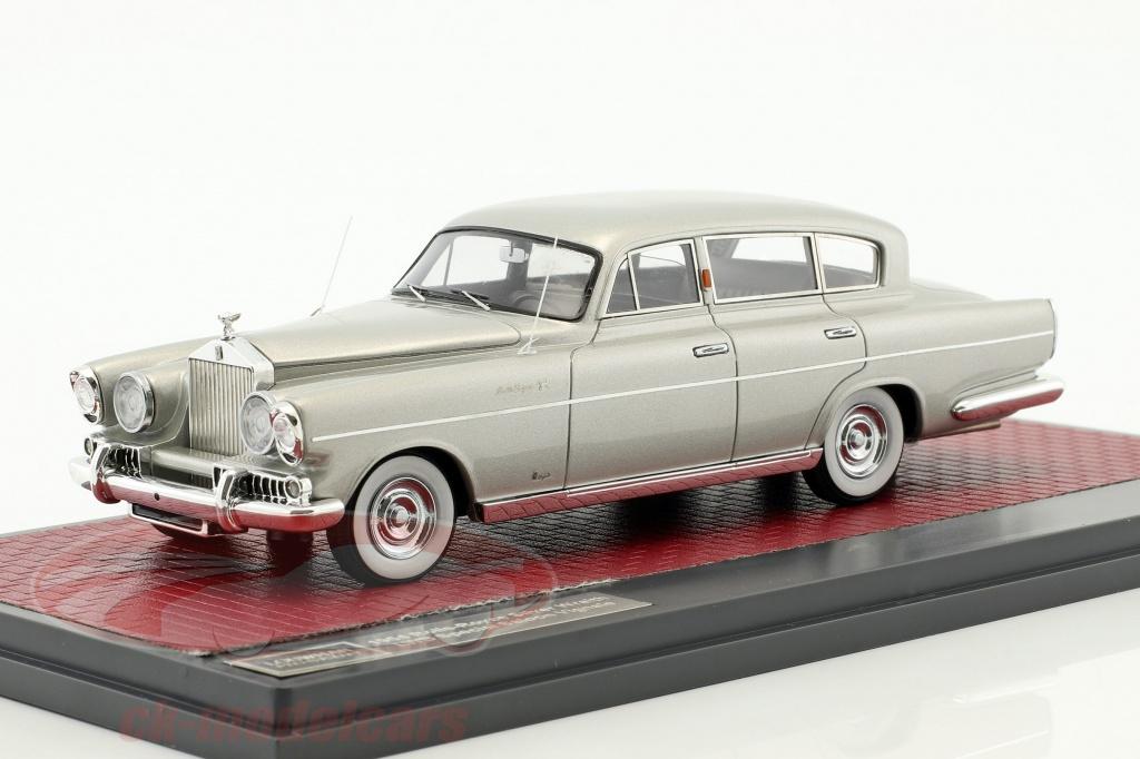 matrix-1-43-rolls-royce-silver-wraith-lwb-special-saloon-vignale-year-1954-silver-metallic-mxlm03-1705/