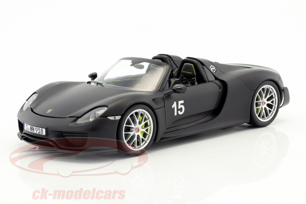 minichamps-1-18-porsche-918-spyder-weissach-package-year-2015-mat-black-110062444/