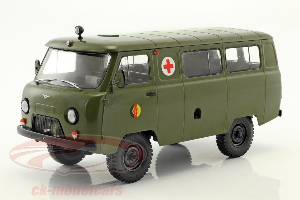 premium-classixxs-1-18-uaz-452a-3962-ambulance-nva-year-1985-olive-green-pcl47072/