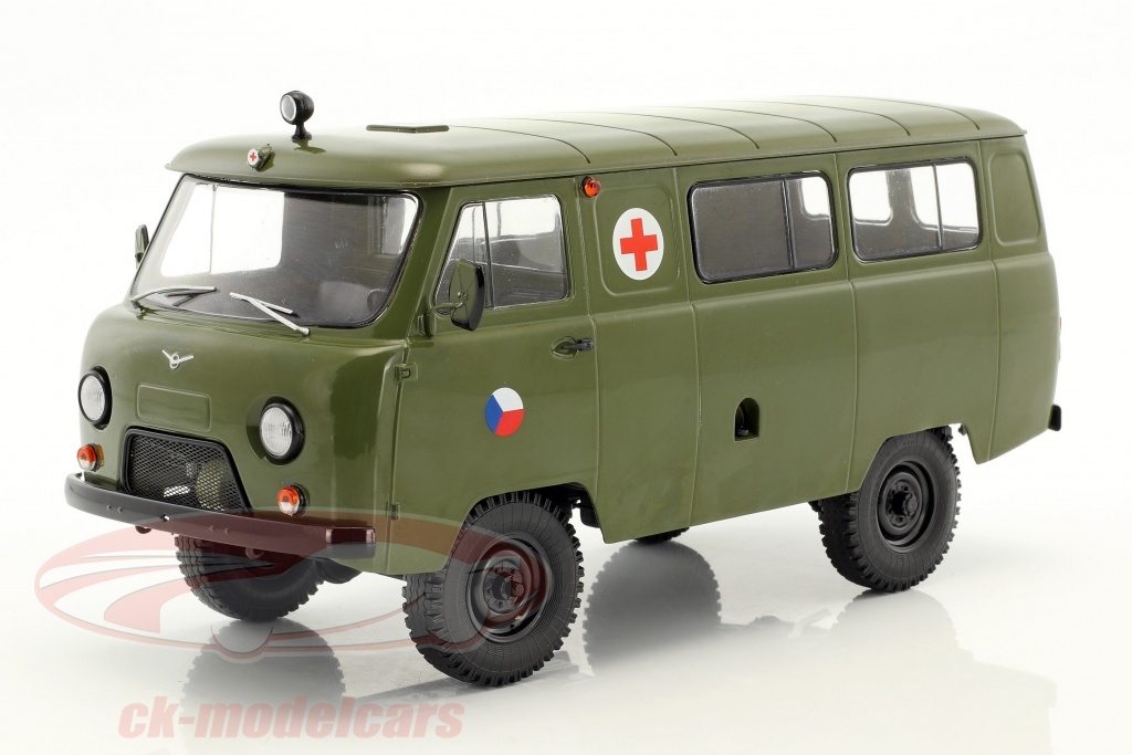 premium-classixxs-1-18-uaz-452a-3962-ambulance-cz-army-year-1985-olive-green-pcl47073/