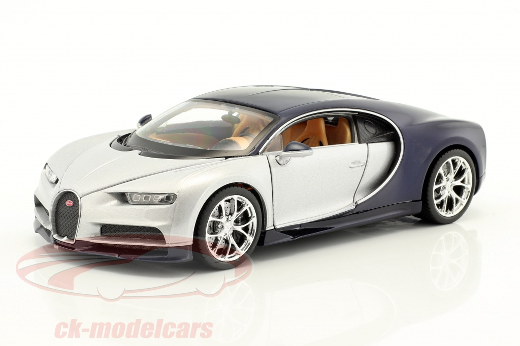 welly-1-24-bugatti-chiron-year-2017-silver-blue-24077sb/