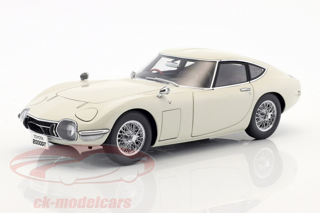 autoart-1-18-toyota-2000gt-coupe-with-spoke-rims-year-1965-white-78754/