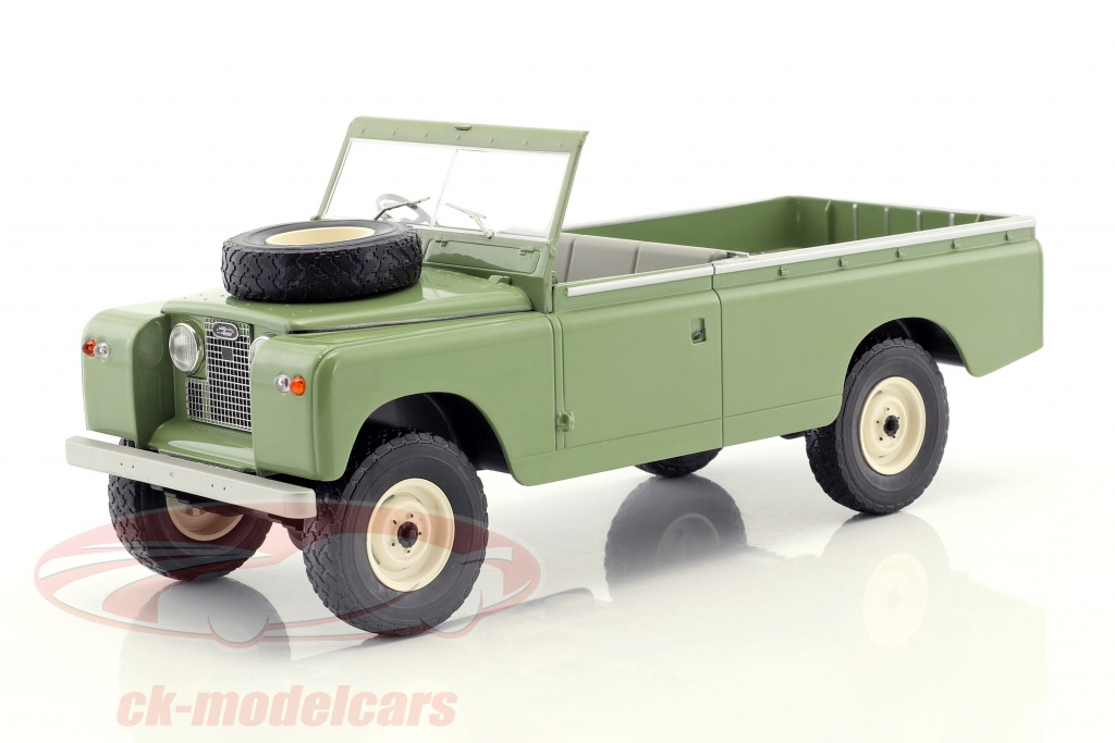 modelcar-group-1-18-land-rover-109-series-ii-pick-up-rhd-year-1959-bright-olive-mcg18093/