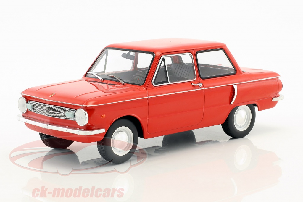 modelcar-group-1-18-saporoshez-sas-966-year-1966-red-mcg18102/