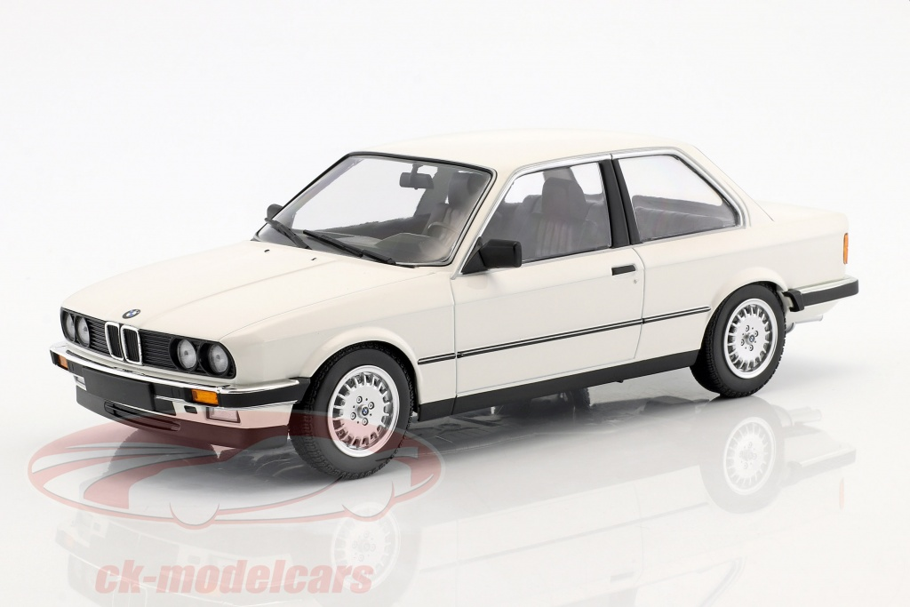 minichamps-1-18-bmw-323i-year-1982-white-155026005/