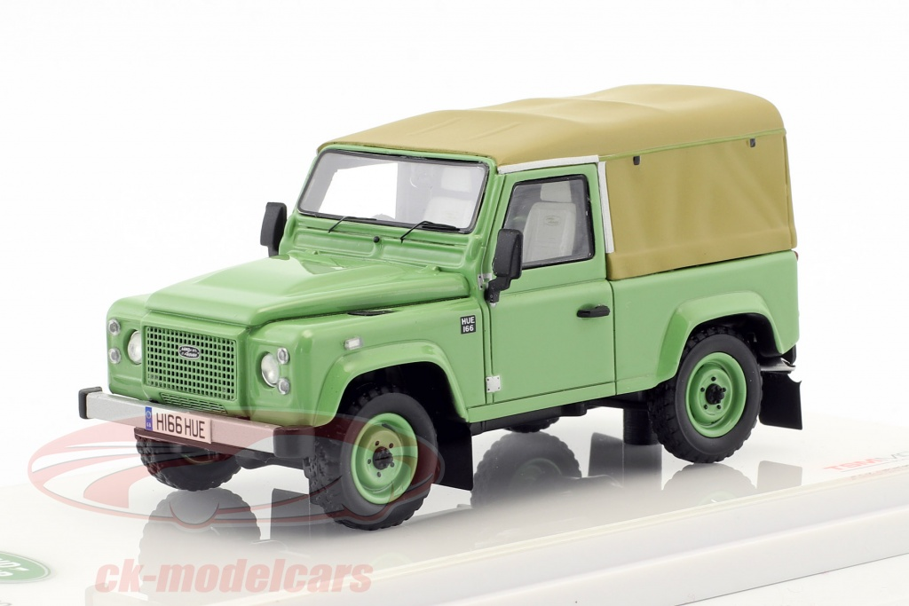 true-scale-1-43-land-rover-defender-90-heritage-edition-construction-year-2015-green-tsm430217/