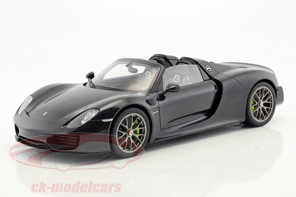 autoart-1-12-porsche-918-spyder-weissach-package-year-2013-black-metallic-12121/