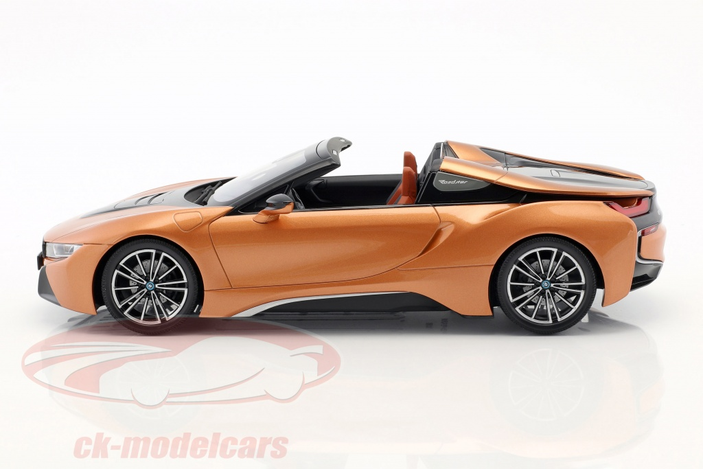 Original BMW I8 Roadster 1:18// Scale 1:18