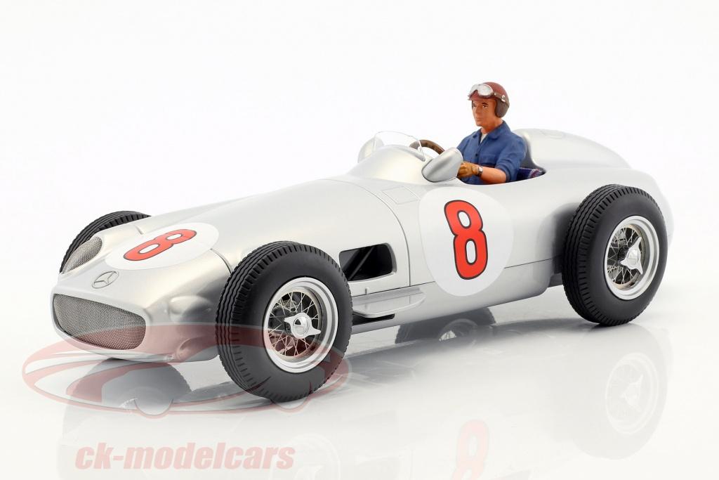 figurenmanufaktur-1-18-gezeten-figuur-raceauto-met-blauw-overhemd-ae180176/