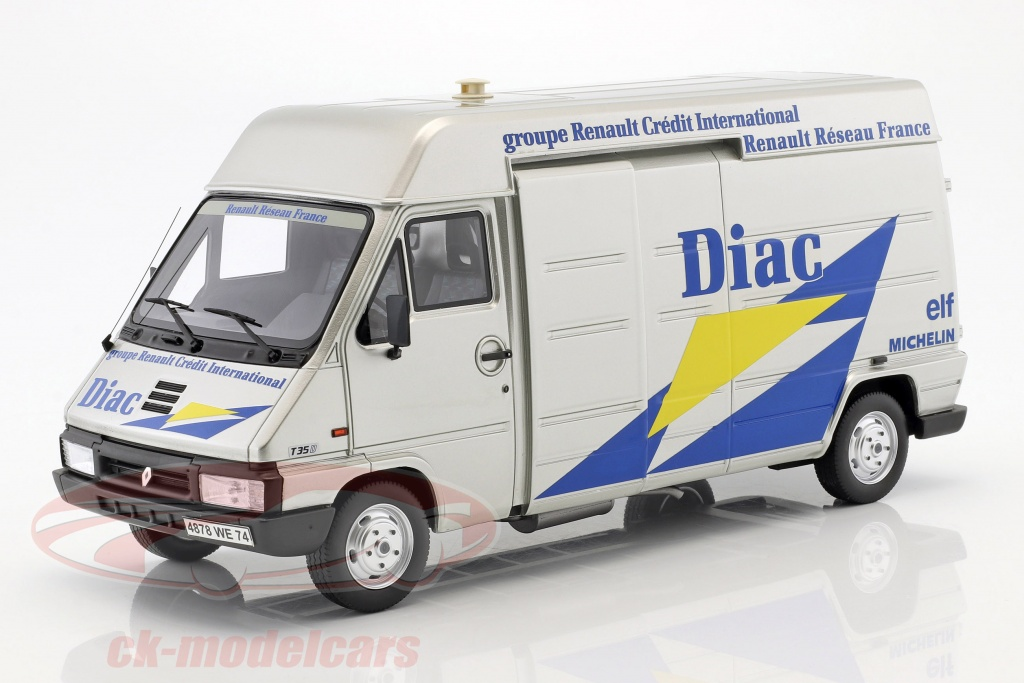 ottomobile-1-18-3-car-set-rallye-tour-de-corse-1995-renault-master-renault-clio-maxi-trailer-otto-movel-ot289/