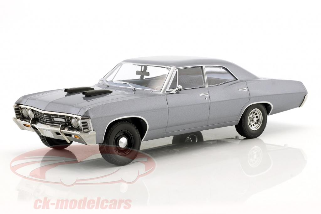 greenlight-1-18-chevrolet-impala-sport-sedan-anno-di-costruzione-1967-serie-tv-il-a-team-1983-87-grigio-blu-19047/