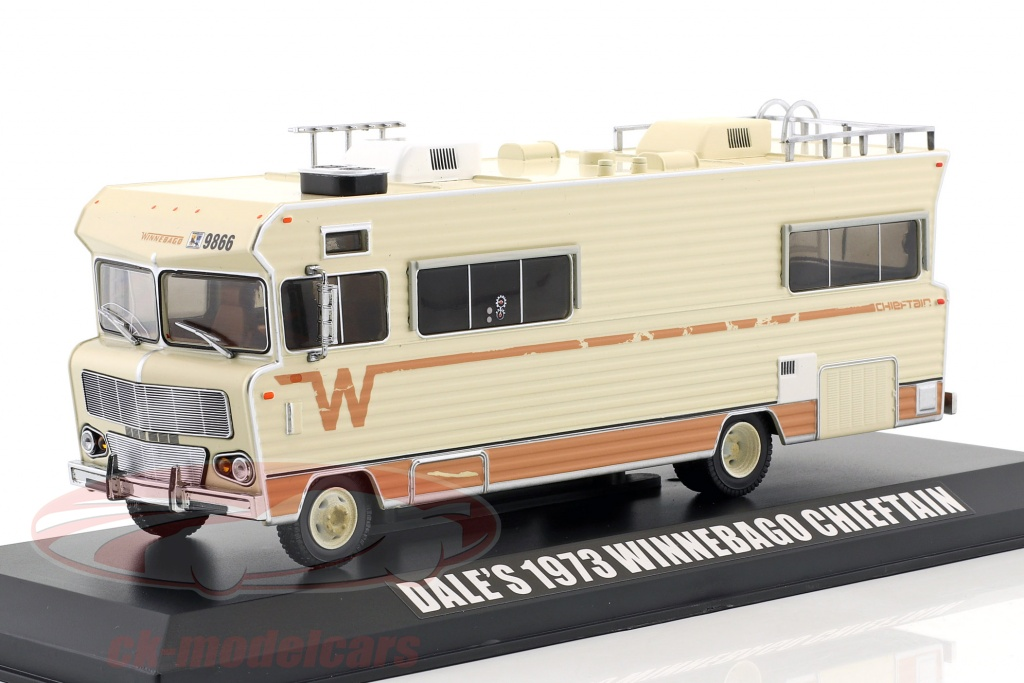 greenlight-1-43-dales-winnebago-chieftain-annee-de-construction-1973-serie-tv-the-walking-dead-depuis-2010-beige-86543/