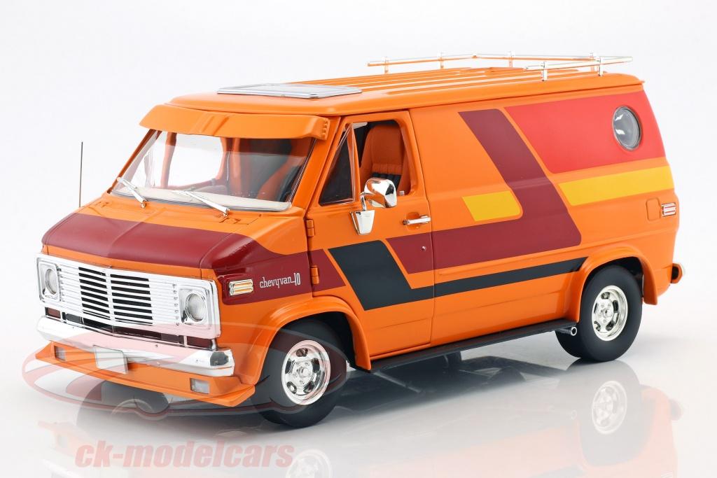greenlight-1-18-chevrolet-g-series-busje-bouwjaar-1976-oranje-rood-geel-hwy18012/